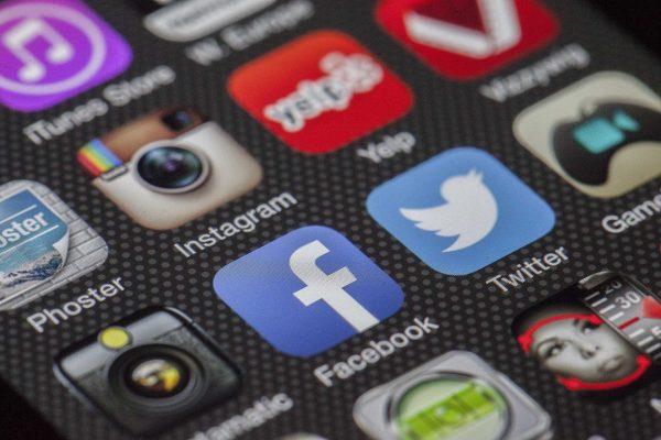Sprawdzamy najpopularniejsze aplikacje zakupowe na smartfona (Joom, Wish, Aliexpress)